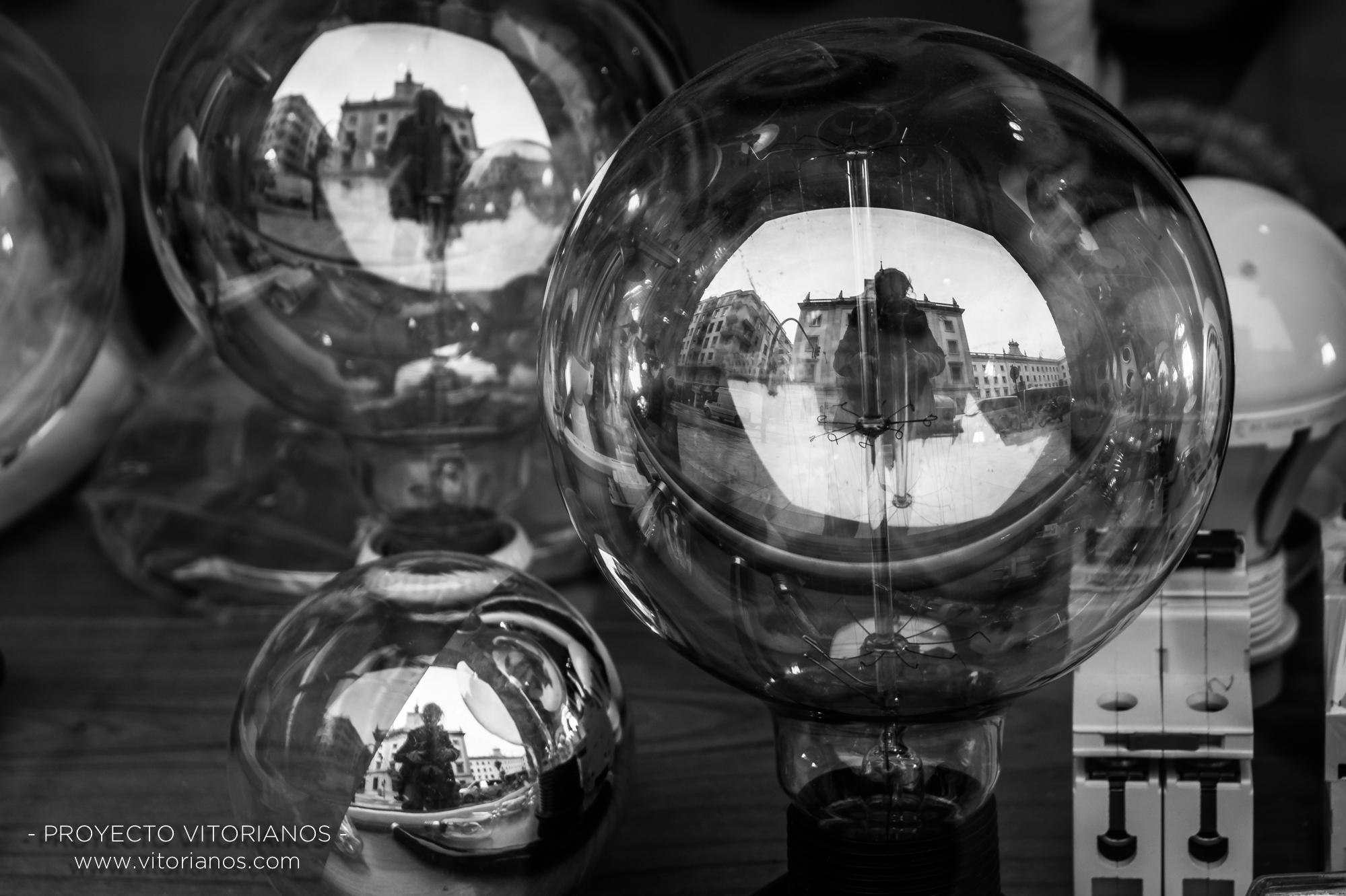 Reflejo en bombillas - Foto: Asun Zárate