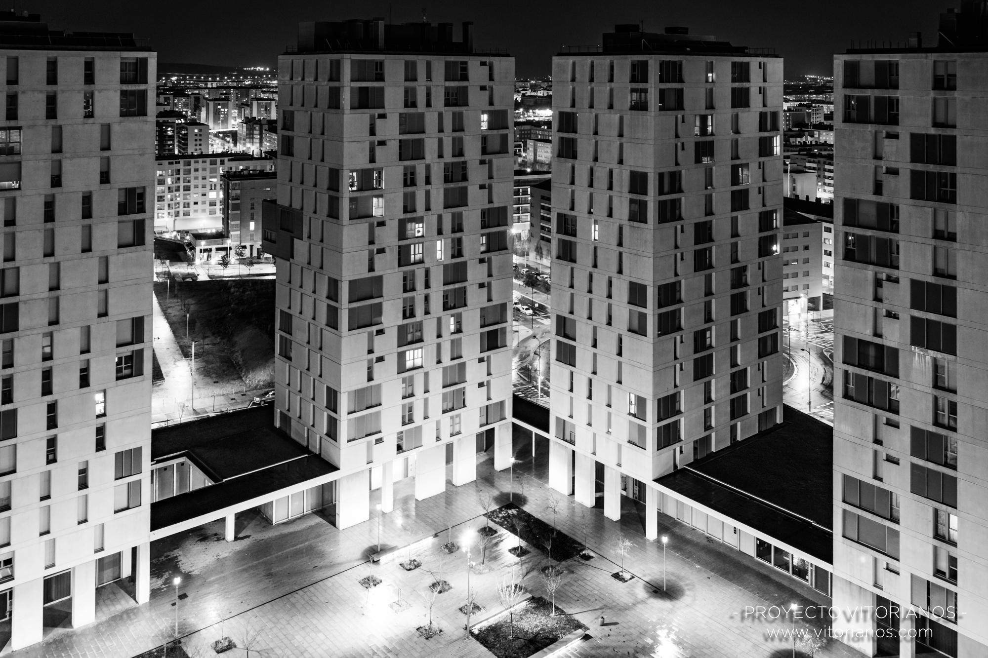 Nocturna del barrio de Zabalgana - Foto: Jaione Corcuera