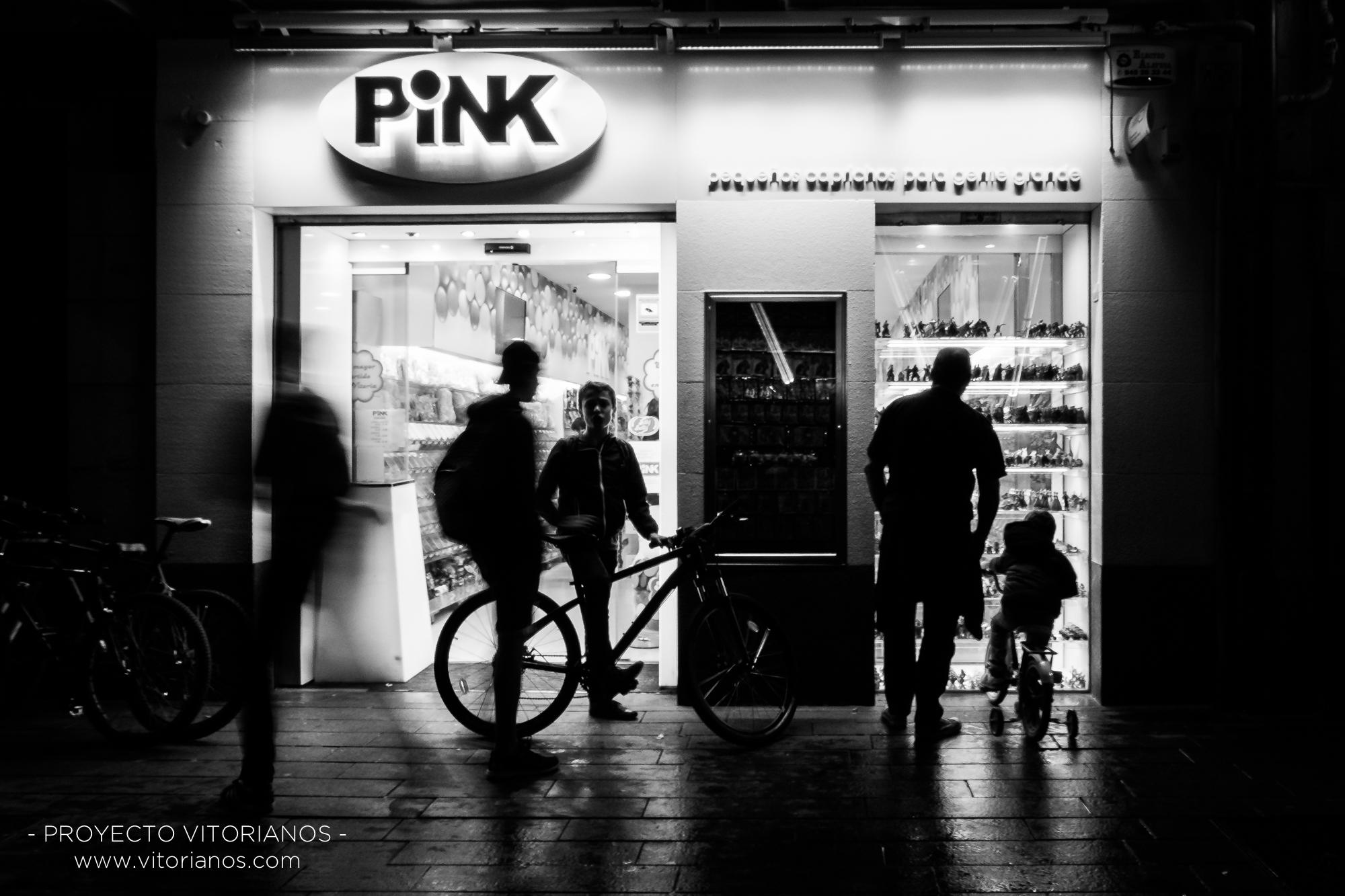 Siluetas en la noche - Foto: Toñi Pérez
