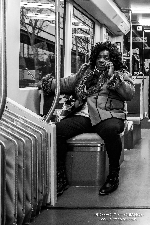 Vitoriano en el tranvía - Foto: Asun Zárate