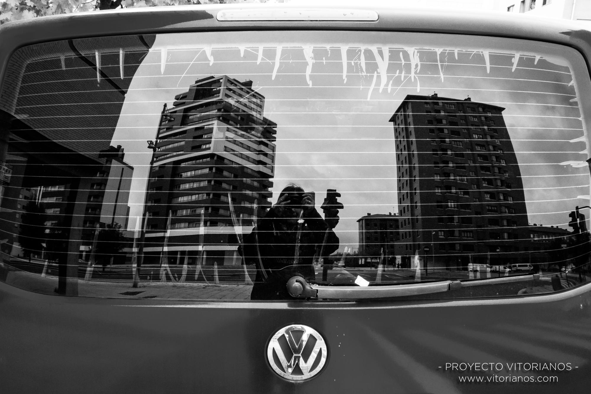 Reflejo en coche - Foto: Irune Bonilla