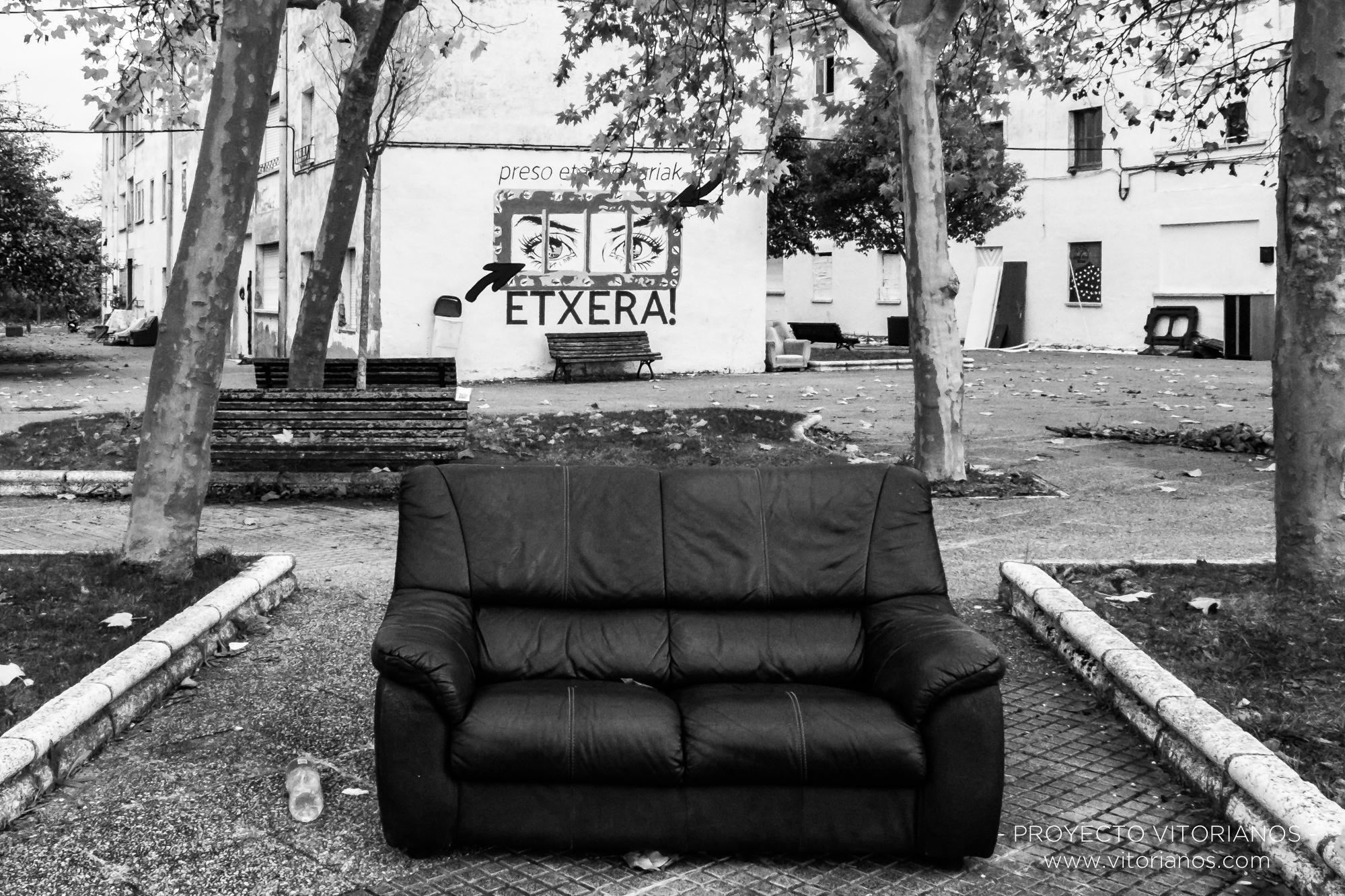Sofá en la calle - Foto: Irune Bonilla