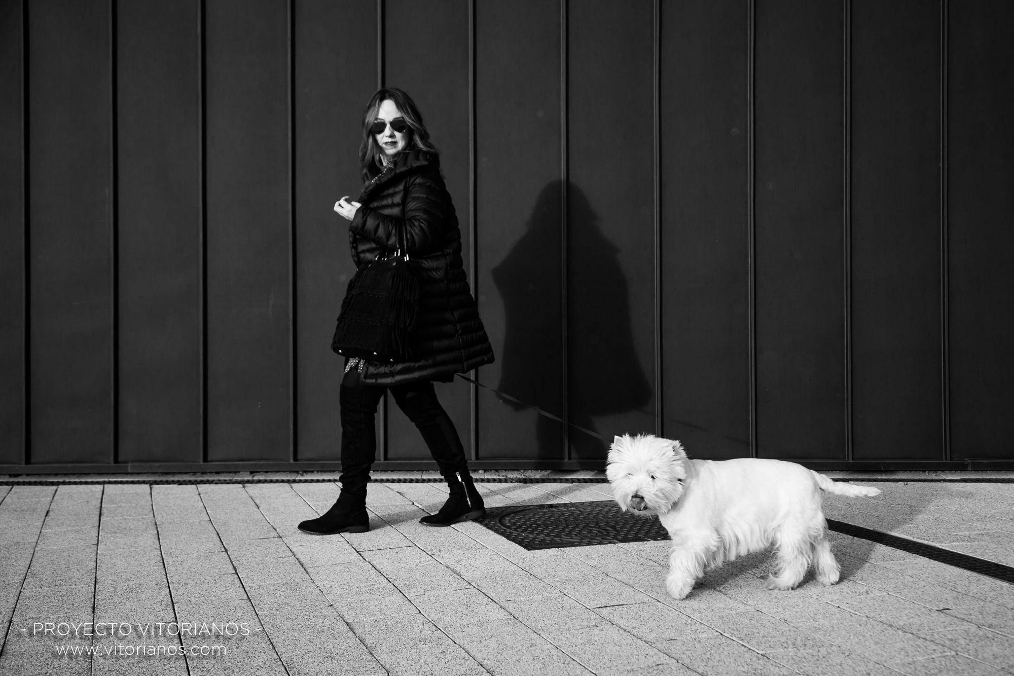 Vitoriana y su perro - Foto: Toñi Pérez