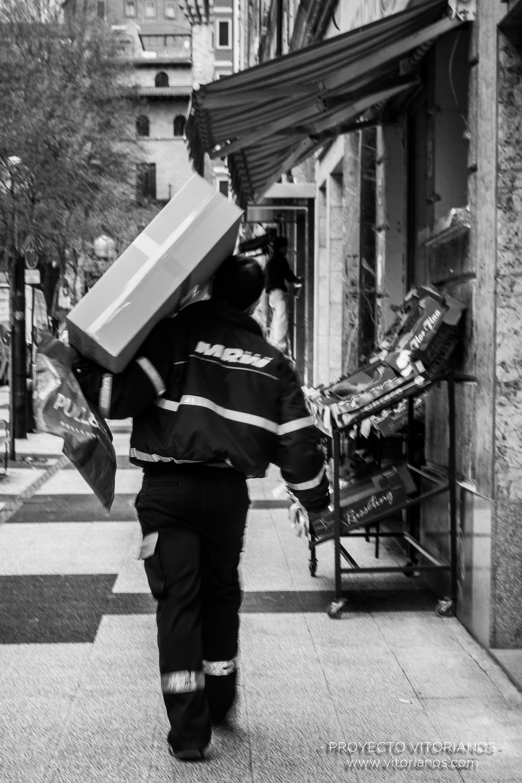 Repartidor de mensajería - Foto: Toñi Pérez