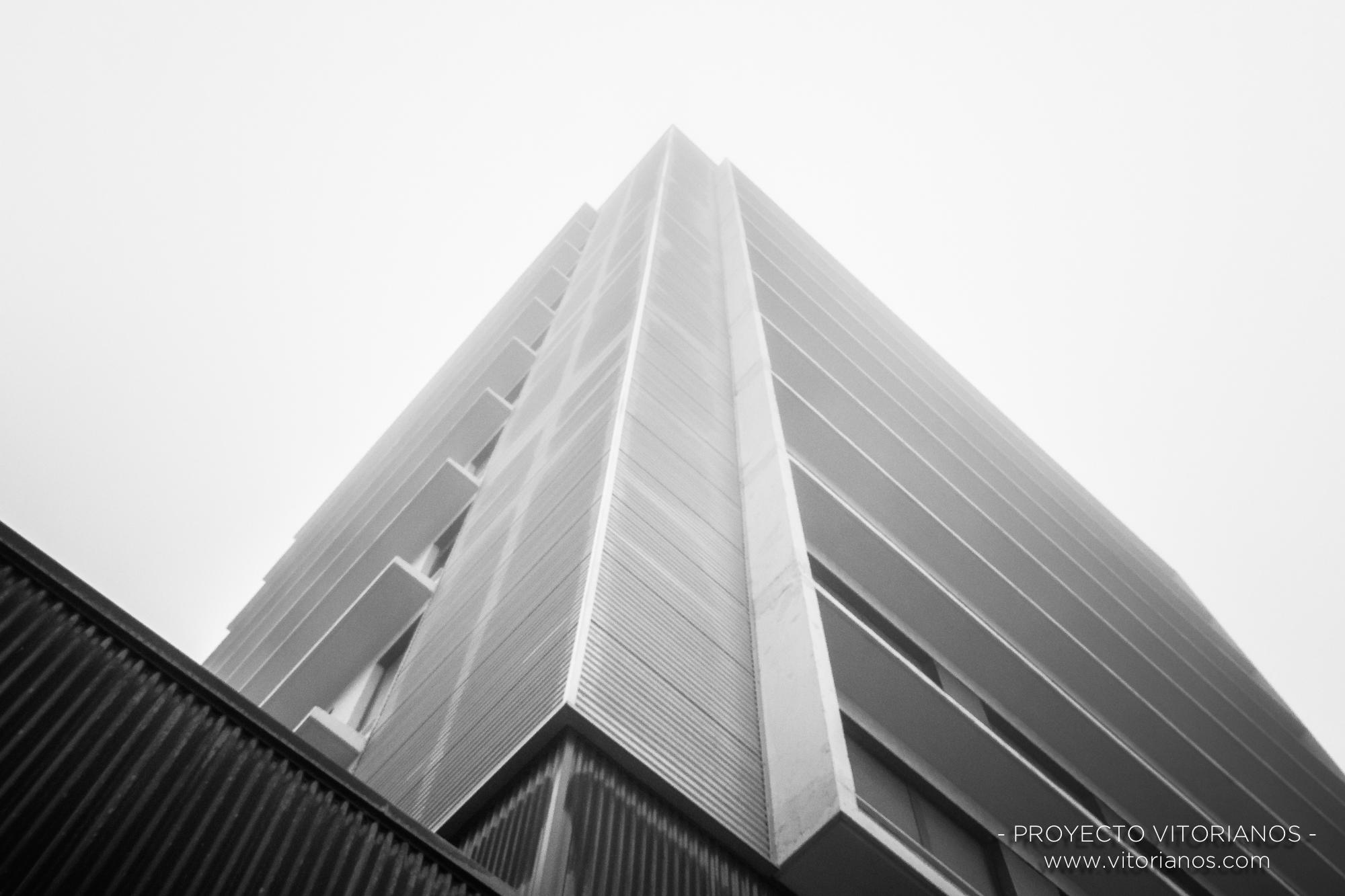 Edificio en Salburua - Foto: José Antonio Eguiara