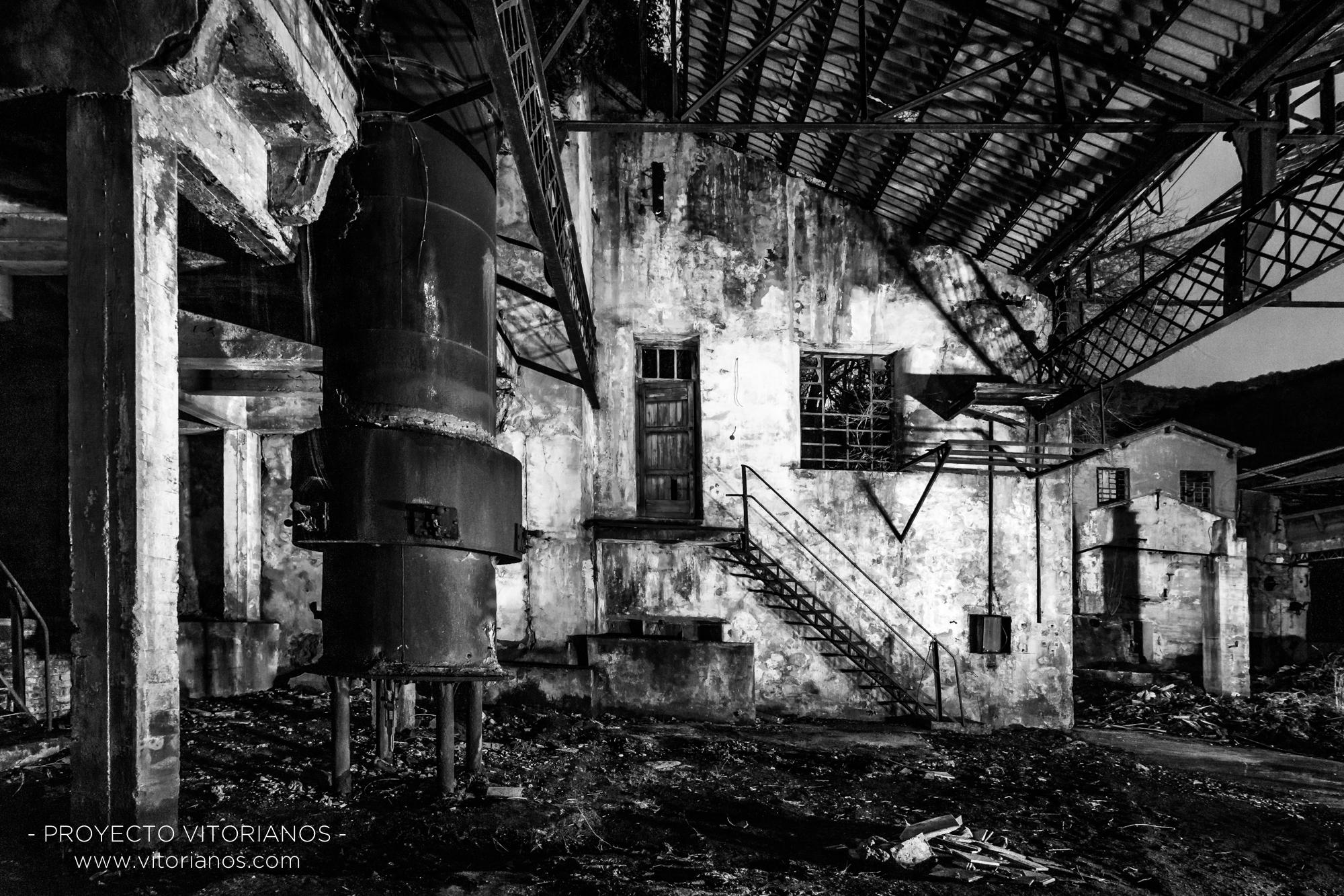 Fábrica abandonada - Foto: Raúl Cerezo
