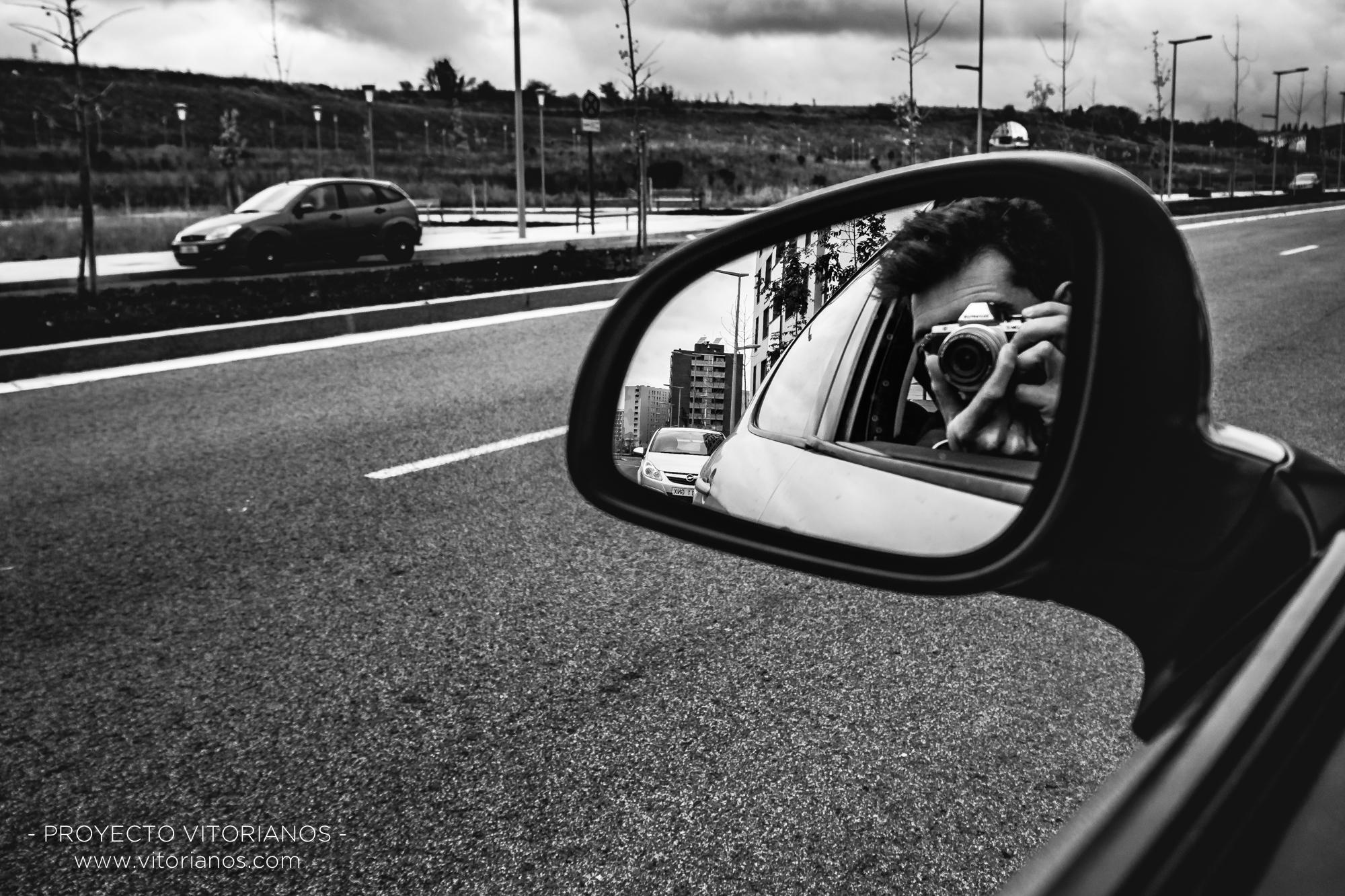 Reflejo en el retrovisor - Foto: Adolfo Carrero