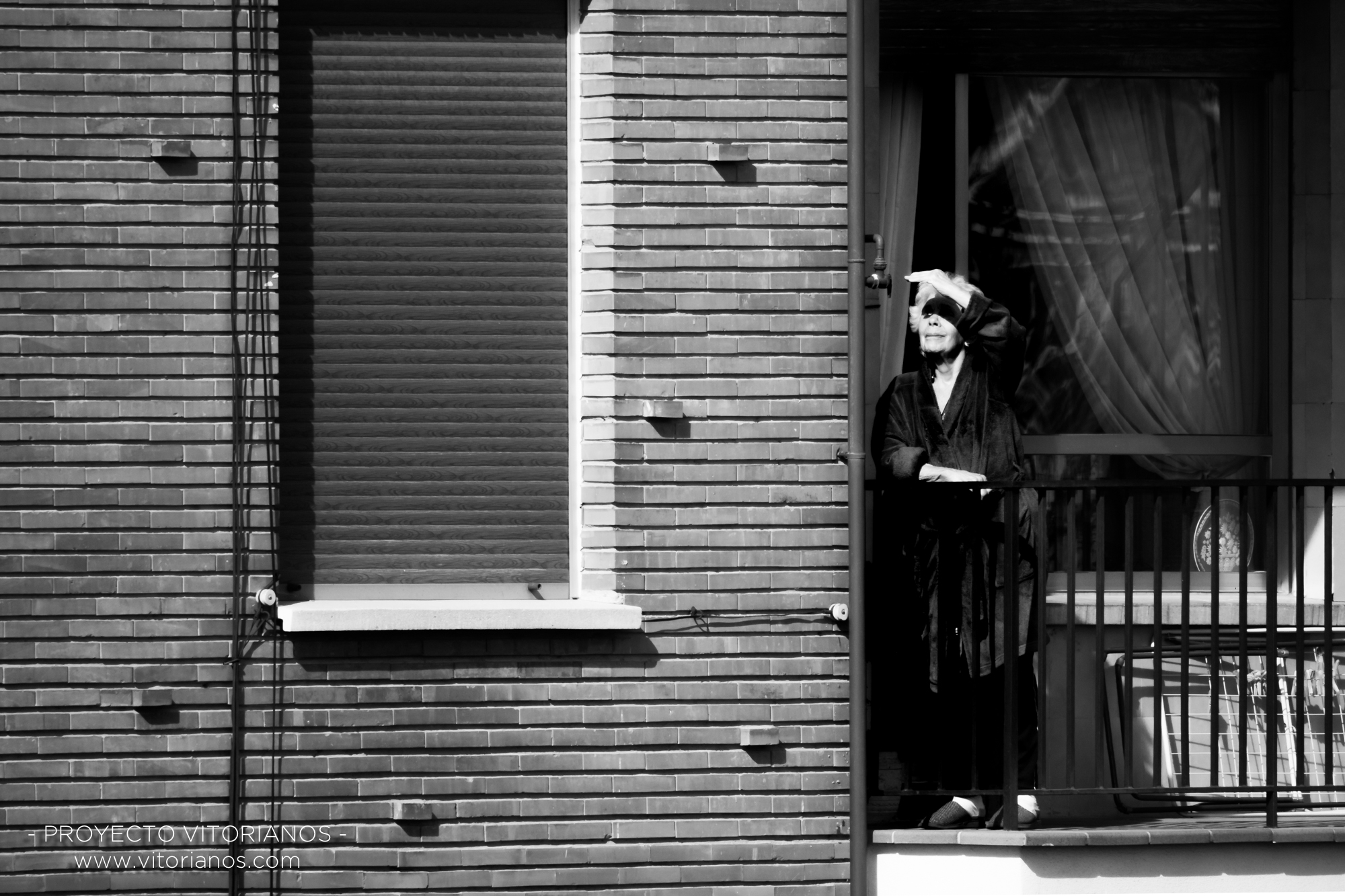 Vitoriana en su balcón - Foto: Gustavo Bravo