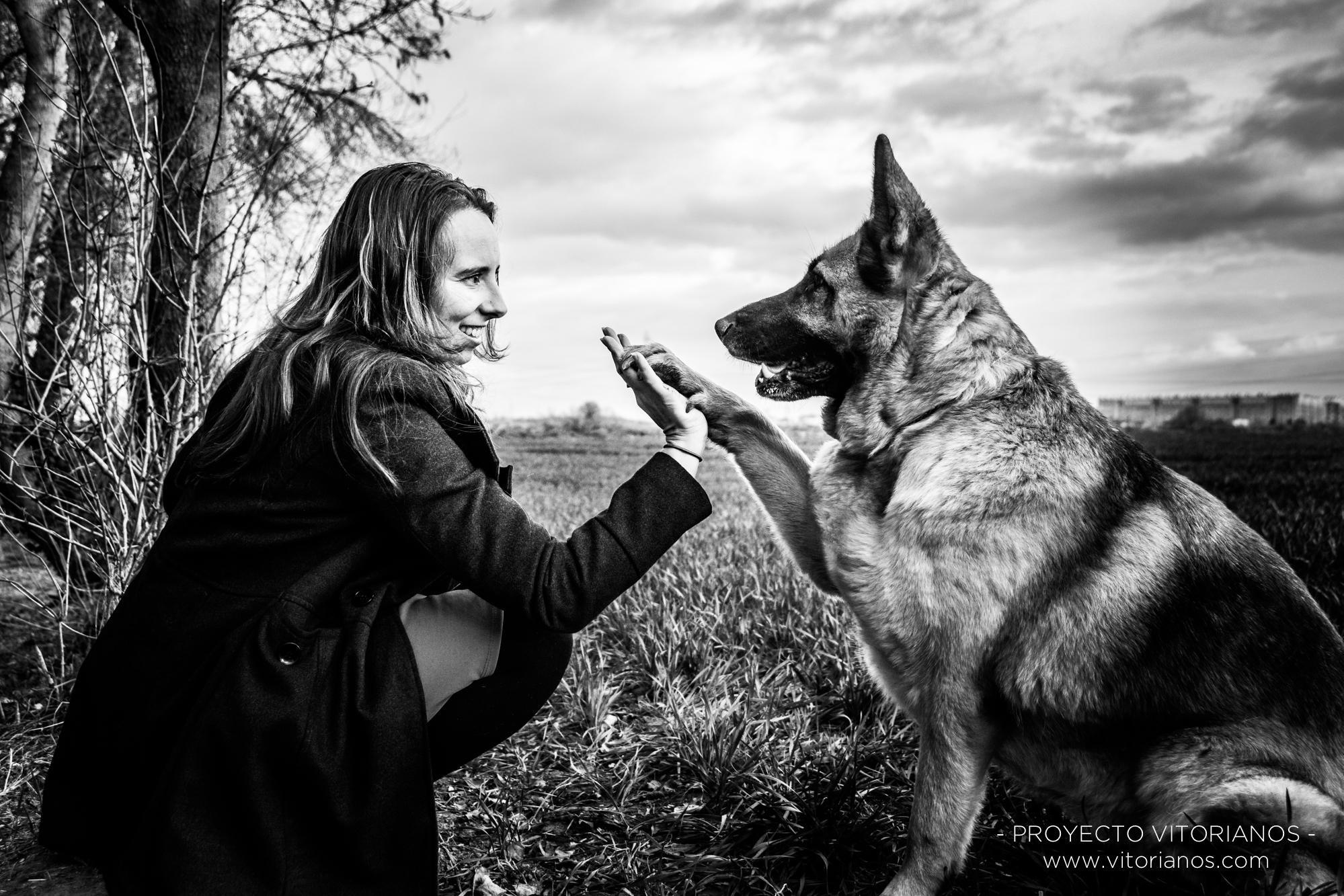 Vitoriana y su perro - Foto: Jaione Corcuera