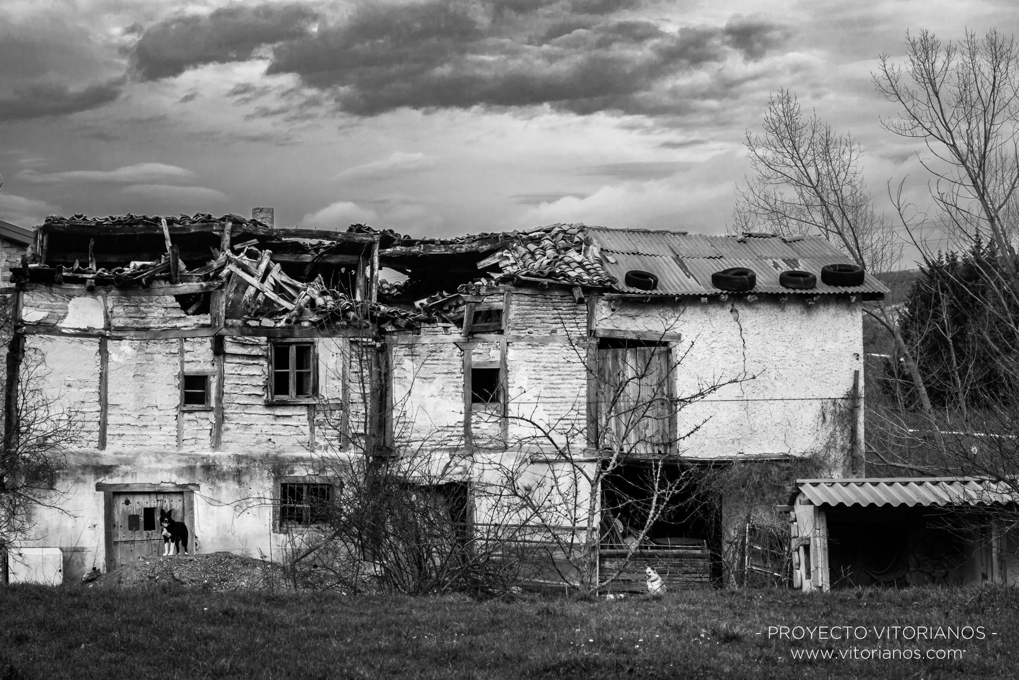 Casona abandonada - Foto: Amaia Aguirre