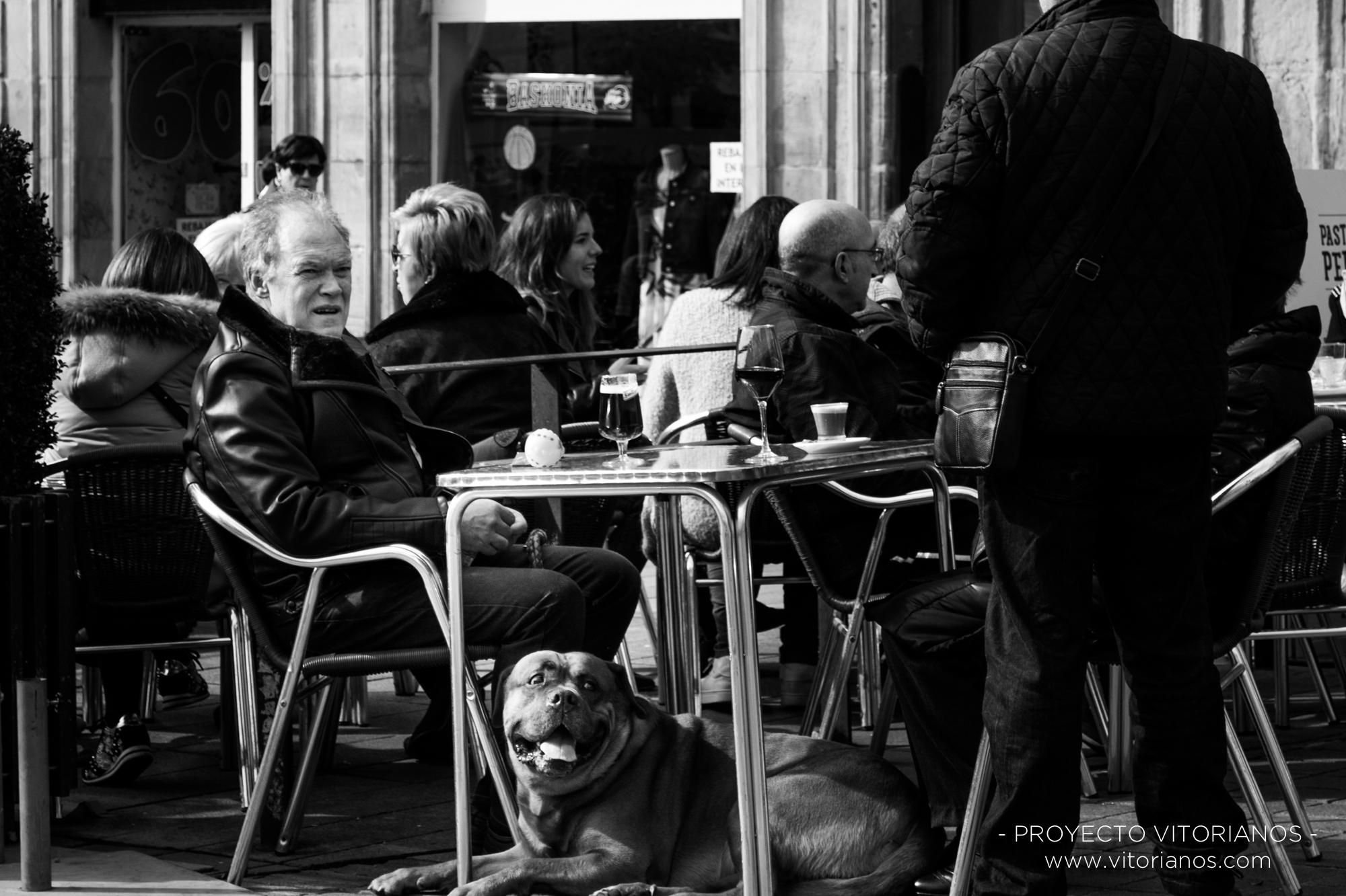 Vitoriano y su perro - Foto: Ainhoa Suso
