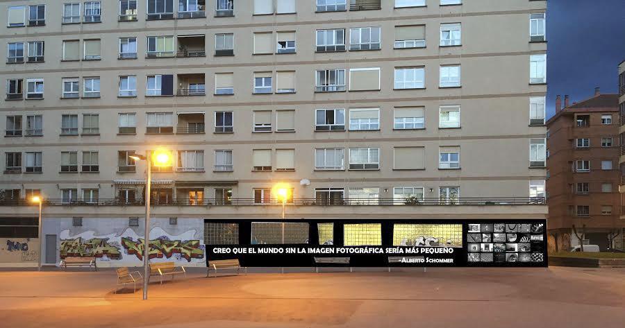 Un mural fotográfico en la calle Alberto Schommer de Gasteiz