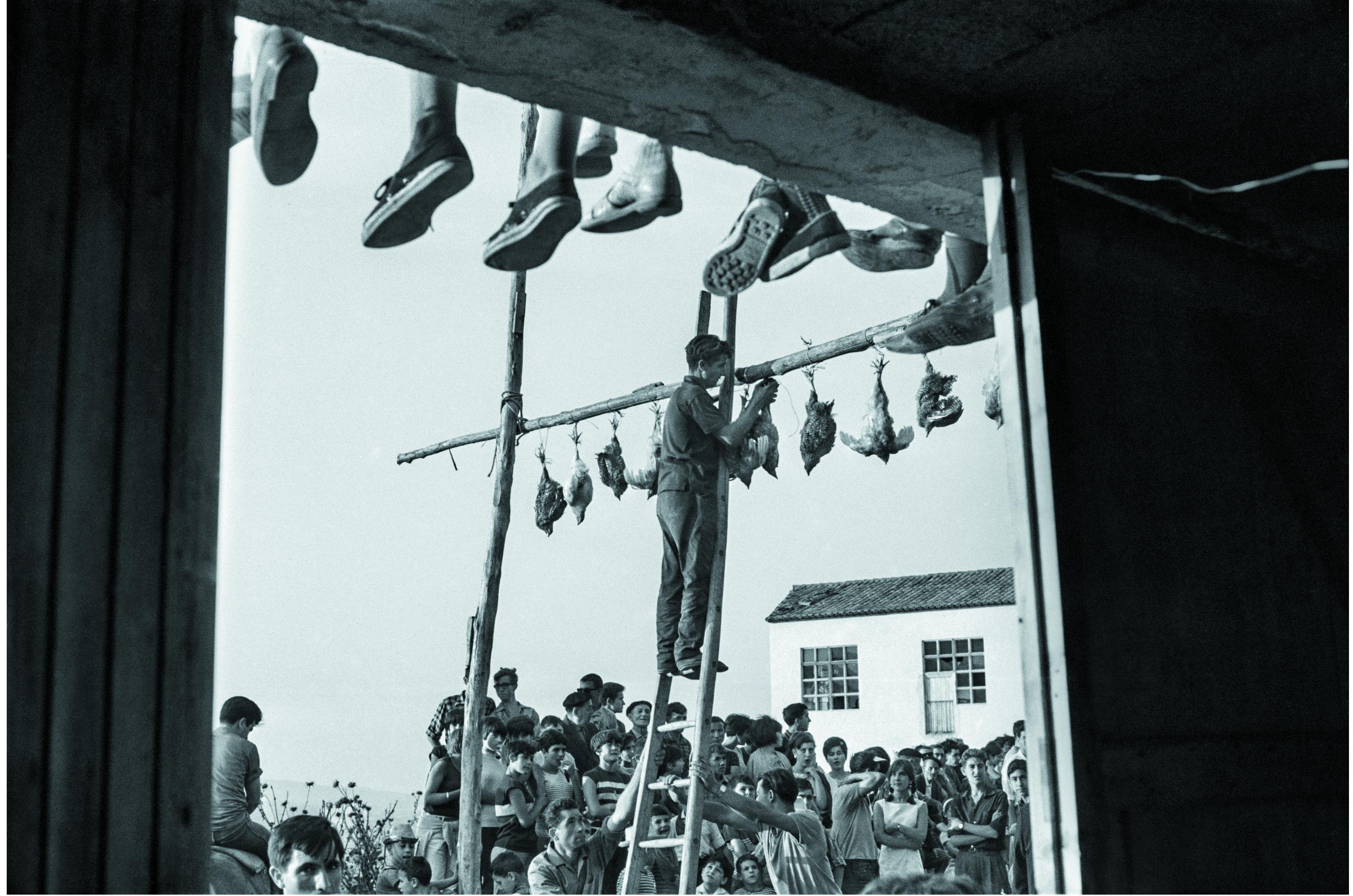 Teo, el fotógrafo electricista redescubierto medio siglo después, expone en Elgoibar